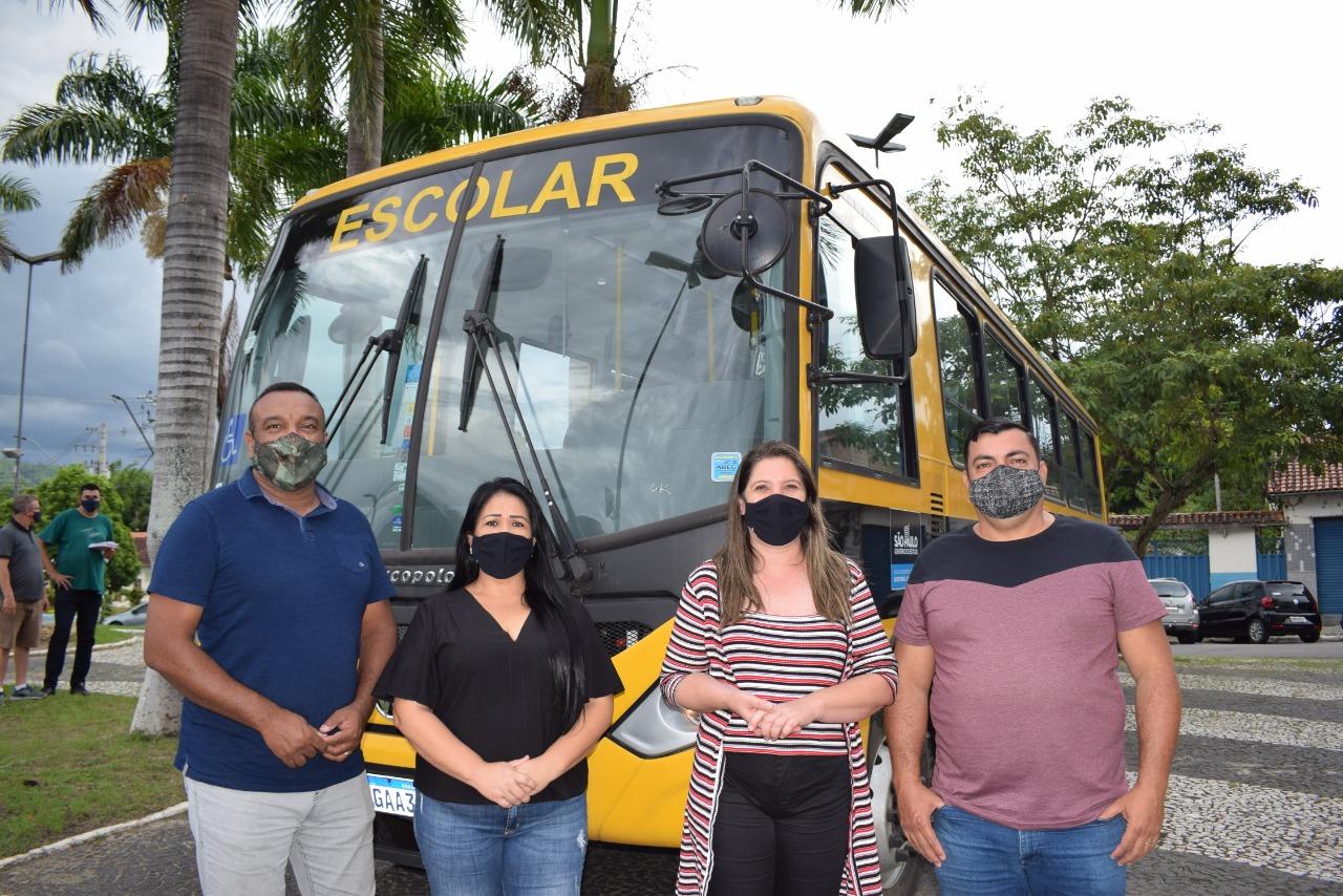 Potim recebe um novo ônibus escolar
