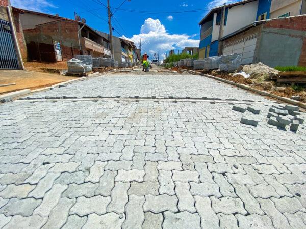 """""""Pavimenta Cruzeiro""""segue com o cumprimento do cronograma de obras"""