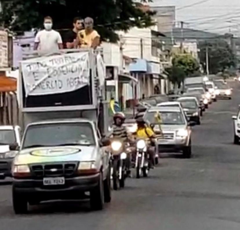 Na tarde desse domingo (14) Cruzeiro realizou carreata contra o governador do estado, João Dória