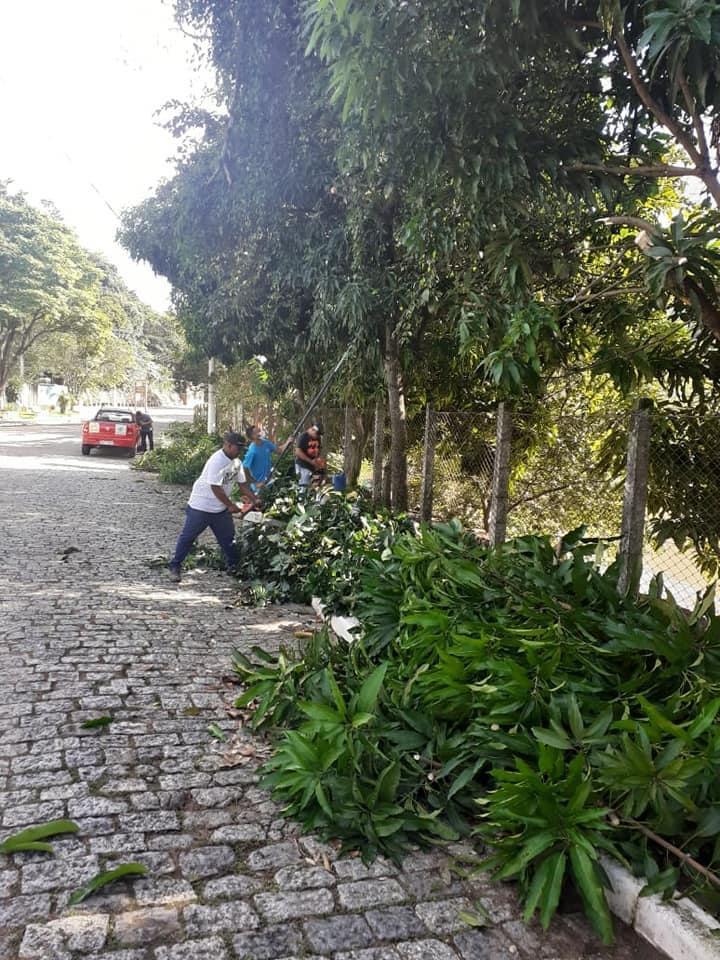 Prefeitura de Lavrinhas realiza força-tarefa para limpeza da cidade