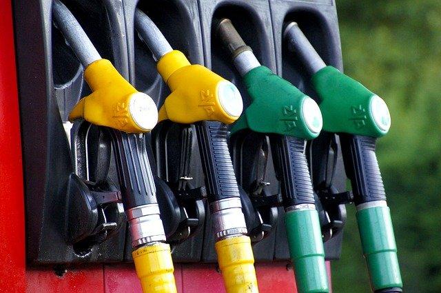 Sem freios: Sobe preços da gasolina e do diesel mais uma vez