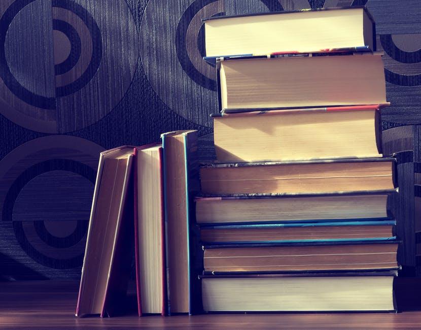Receita Federal diz que pobres não leem e defende aumentar tributação dos livros no país