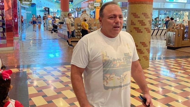 Pazuello alega contato com pessoas com covid e não deve depor esta semana na CPI