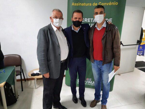 Cachoeira assina o Convênio Munícipio Agro e o Programa Rotas Rurais