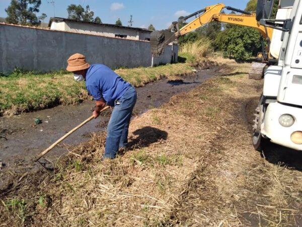 Cruzeiro realiza o desassoreamento e a limpeza dos rios do município